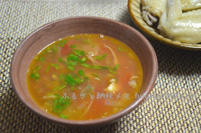 魚のアラとイカで、ブイヤベース風スープ